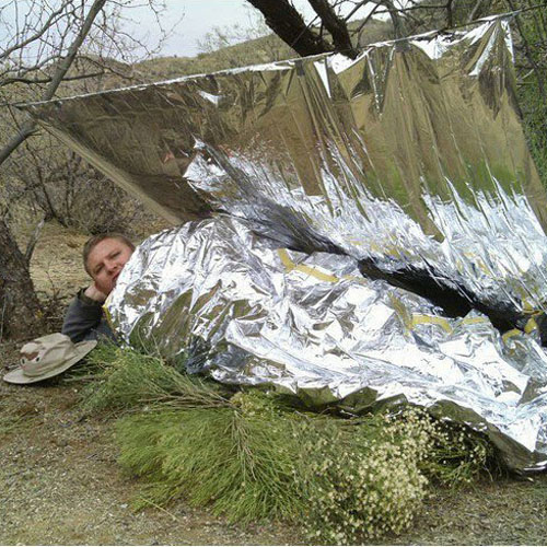 out survival blanket i