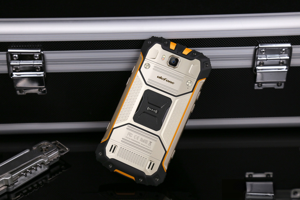 images/wholesale-electronics-2019/Ulefone-Armor-2S-Rugged-Smartphone-5-Inch-Display-4G-Android-70-Quad-Core-CPU-2GB-RAM-IP68-Gold-plusbuyer_98.jpg